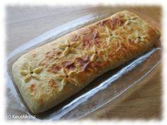 Lohipiirakka muna-riisitäytteellä Starters, Banana Bread, Bakery, Pizza, Yummy Food, Sweets, Cheese, Desserts, Cupcakes