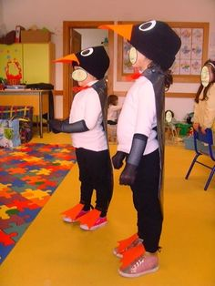Pinguim Diy Costumes, Halloween Costumes, Carnival Ideas, Mom, Winter, Baby, Outfits, Fashion, Animal Masks