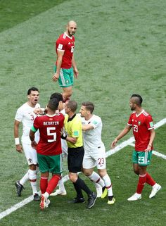 Pepe of Portugal argues with Mehdi Benatia of Morocco during the 2018 FIFA  World Cup Russia group B match between Portugal and Morocco at Luzhniki  Stadium ... 92977eb043783