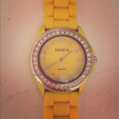 Yellow Watch Great condition needs a new battery. Jewelry