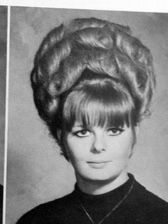 Vintage Hairstyles Updo he looks just darling Fancy Hairstyles, Vintage Hairstyles, 1960s Hairstyles, Beehive Hairstyles, Classic Hairstyles, Hair With Flair, Vintage Magazine, Bouffant Hair, Hair Creations