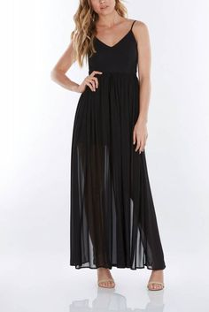 This open back flowy dress will leave them speechless! Pair with heels for an effortless, trendy look.