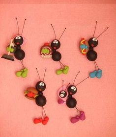 """""""Ant"""" these absolutely adorable? Diy Fimo, Cute Polymer Clay, Polymer Clay Animals, Fimo Clay, Polymer Clay Projects, Polymer Clay Creations, Porcelain Clay, Cold Porcelain, Jumping Clay"""