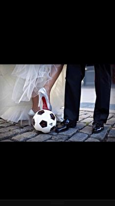 If I marry my boyfriend we r so doing pictures of us playing soccer in my dress and his tux because we first met at soccer