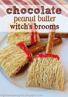 Chocolate Peanut Butter Witch's Brooms. Such a cute idea for this Halloween…