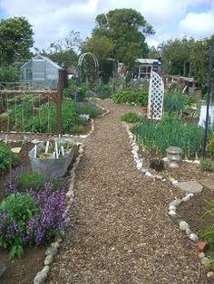 197 best Allotment Ideas images on Pinterest | Garden art, Edible ...