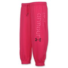 The Under Armour Women's Armour Fleece Capri is the perfect way to stay warm and dry in style. Armour fleece has a fast-drying outer layer with moisture management technology to keep you drier for longer and an inner layer that retains warmth. A rollover waistband and cuffs provide a comfortable yet secure fit. A stylish leg graphic is an added touch. 100% Polyester.