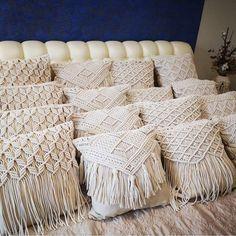 Diy Crafts For Home Decor, Diy Room Decor, Diy Pillows, Cushions, Large Macrame Wall Hanging, Macrame Bag, Macrame Design, Macrame Projects, Macrame Patterns