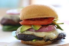 Need a healthy alternative for a summer barbecue burger!? Try these portable mushroom burgers. Add with you favorite toppings and you have your healthy dinner!