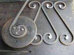 ATV al por mayor: el mayor distribuidor minorista de ATV Powersports Metal Bending Tools, Metal Working Tools, Metal Tools, Forging Tools, Blacksmith Tools, Metal Art Projects, Welding Projects, Metal Bender, Iron Gate Design