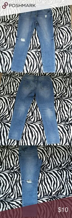 Distressed jeans Justfab distressed jeans Size:31 Condition:used Shows signs of light wear , but overall in good condition comes from a smoke free home JustFab Jeans Straight Leg