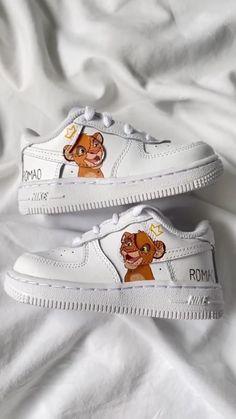 Nike Fashion, Sneakers Fashion, Fashion Shoes, Custom Painted Shoes, Custom Shoes, Cute Sneakers, Wedge Sneakers, Cute Nikes, Fresh Shoes