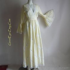 ROMANTIC Pintuck Mexican Wedding Dress Maxi / size 4 6 8 small /TACHI CASTILLO Prairie Dresses / Pastel Yellow Cotton Lace Inserts 1970s