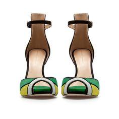 Shoes again! Plzzz someone stop me :'D