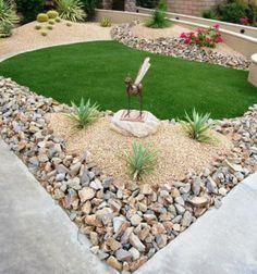 Farklı renkte ve büyüklükte taşlarla çim alan daha çarpıcı görünmekte; bu dokuya uygun bitkilerle bahçe daha şık bir görünüm kazanmaktadır.
