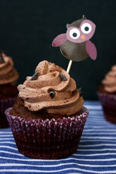 transglobal pan party: SCHOKO-CUPCAKES MIT CRUNCHY TOPPING