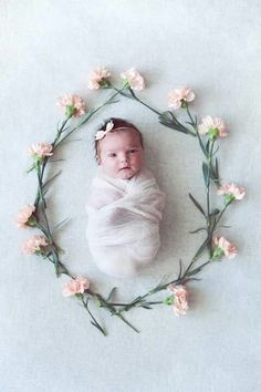 Baby Pics With Flowers Newborn Photography 51 Ideas Foto Newborn, Newborn Shoot, Baby Girl Newborn, Baby Girls, Newborn Pictures, Baby Pictures, Newborn Baby Photos, Baby Girl Photos, Baby Kind