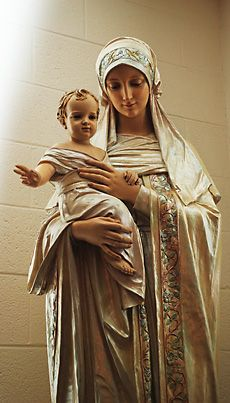 Such a tender, beautiful statue of Our Lady and the Christ Child. : Such a tender, beautiful statue of Our Lady and the Christ Child. Blessed Mother Mary, Blessed Virgin Mary, Catholic Art, Religious Art, Image Jesus, Immaculée Conception, 7 Arts, Images Of Mary, Our Lady Of Lourdes