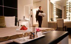 The Dolder Grand in Zürich: «Gault Millau Hotel des Jahres 2016 Luxury Hotels, Luxury Villa, City Resort, Butler Service, Langham Hotel, Flower Service, Basket Gift, Beautiful Villas, Great Hotel