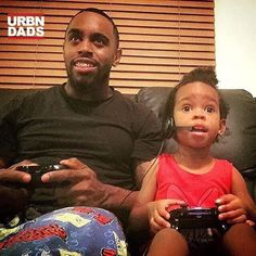 Smalls wanted to play me in Madden. She was all in!!! She light up my life.  #daddyduties #proudparent #prouddad #blackfathers #madden #daddysgirl #daddydaughter @kingkoley #blackdads #urbndads #gamerdad