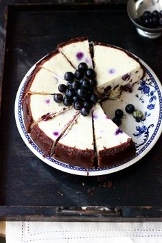 Blueberry Chocolate Chip Cheesecake Yes please Cheesecake Recipes, Dessert Recipes, Healthy Cheesecake, Drink Recipes, Food Cakes, Cupcake Cakes, Candy Cakes, Chocolate Chip Cheesecake, Blueberry Cheesecake