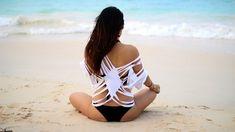 Pareo de playa cortado en tiras | 41 Maneras fáciles de transformar tus camisetas