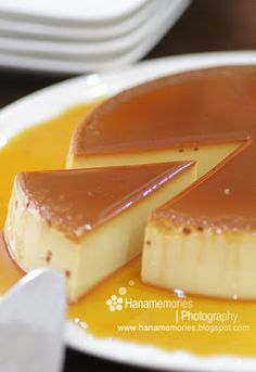 remember this for from a tv show that used to be on all the time when I was younger Pudding Desserts, Pudding Recipes, Dessert Recipes, Puding Cake, Resep Cake, Just Desserts, Delicious Desserts, Flan Recipe, Snacks Dishes