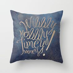 Wibbly wobbly (Doctor Who quote) Throw Pillow