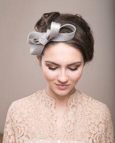 Casco de plata arco fascinator de sombreros de la boda