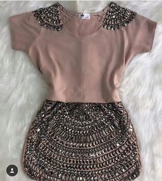 Exquisite dress - sweet image Look Fashion, Diy Fashion, Ideias Fashion, Fashion Dresses, Womens Fashion, Fashion Trends, Mode Outfits, Chic Outfits, Hijab Style Dress