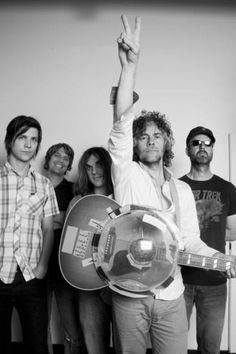 The Flaming Lips! I got to meet Wayne Coyne before a Radiohead concert in Dallas. He was the coolest guy! They're awesome live, too! New Wave Music, My Music, Music Film, Music Songs, Gaming Entertainment Center, Wayne Coyne, Idole, Jimi Hendrix, Live Music