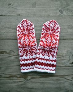 Wool Mittens - Red and White Gloves - Christmas Gloves with a Stars Ornament - Traditional Nordic Gloves - Gift - Winter Fashion nO by lyralyra on Etsy Knit Mittens, Knitted Gloves, Etsy Handmade, Handmade Gifts, Textiles, Fair Isle Knitting, Star Ornament, Arm Warmers, Wool