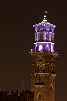 Torre dei Lamberti in notturna