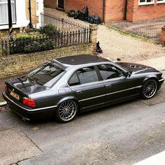 BMW Anthracite silver vs Style 32 on-point! Suv Bmw, Bmw Cars, Car Axle, Bmw 740, Bmw Accessories, E 38, Bmw Alpina, Bmw Classic Cars, Bmw 7 Series