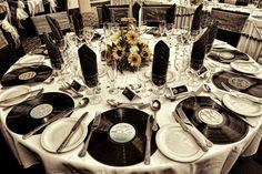 Quer fazer um evento classe A? Confira as dicas para impressionar seus convidados VIPs, ao organizar eventos! Acesse no blog Organizando Eventos!