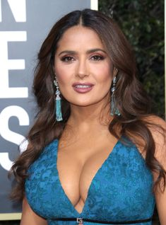 Salma Hayek Bra Size, Salma Hayek Body, Salma Hayek Pictures, Selma Hayek, Actrices Hollywood, Sexy Older Women, Jolie Photo, Celebs, Celebrities