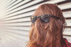 Low poo or no poo choosing the best toxin-free option for cleaning your hair Chewbacca, Hair Day, Your Hair, Clear Skin Overnight, Marca Personal, Personal Branding, Wayfarer Sunglasses, Sunglasses Sale, The Victim