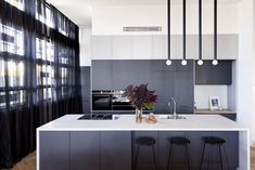 Design inspo: Beautiful black kitchens