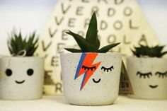 Concrete Crafts, Concrete Projects, Crafts To Sell, Diy Crafts, Papercrete, Succulent Pots, Plant Pots, Painted Pots, Diy Recycle