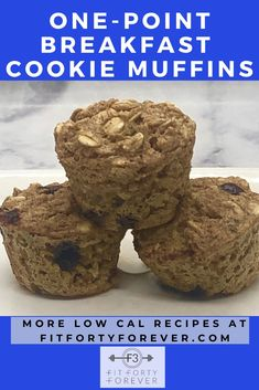 Enjoy these One-Point Breakfast Cookie Muffins for a light treat in the morning. Each mini muffin is one point and 35 calories. Two muffins are three points. Low Sugar Recipes, No Sugar Foods, Ww Recipes, Light Recipes, Oatmeal Chocolate Chip Cookies, Mini Chocolate Chips, Breakfast Cookies, Breakfast Ideas, Breakfast Recipes