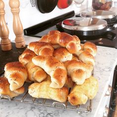 Hot Dog Buns, Scones, Horns, Deserts, Food And Drink, Favorite Recipes, Lunch, Baking, Ost
