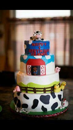 Barnyard 1st bday cake. Luv it! Deb's