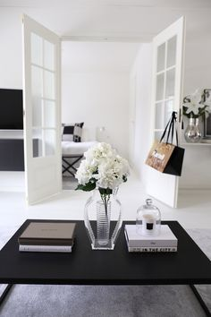 Side Table For Living Room. Homevialaura  Kartell I shine You vase livingroom coffee table 29 Tips for a perfect styling Black tables
