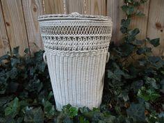 Vintage Laundry Basket White Wicker Laundry Basket от frenchtwine