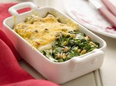 This Gooey, Cheesy Green Bean and Spinach Casserole Proves You Can Cheat on Your Diet With Veggies Spinach Casserole, Greenbean Casserole Recipe, Casserole Recipes, Spinach Recipes, Fish Recipes, Healthy Recipes, Oven Dishes, Fish Dishes, Veggie Dishes
