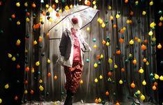 "Independent Lingerie: Concurso de Escaparatismo CYL- ÀRTIDI 2011: ""Comprando bajo la lluvia"""
