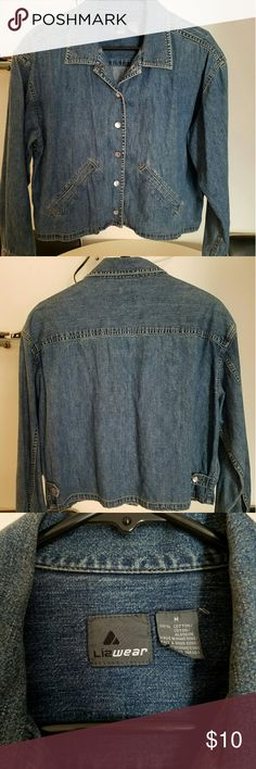 Jean jacket Blue denim short jacket. It's very soft as it was very gentle used. Excellent condition. Liz Claiborne Jackets & Coats Jean Jackets