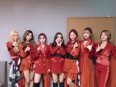 Stage Outfits, Dance Outfits, South Korean Girls, Korean Girl Groups, Beautiful Wife, Girl Bands, Bridesmaid Dresses, Wedding Dresses, Lady And Gentlemen