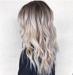 Blonde Balayage Discover 50 HOTTEST Balayage Hair Ideas to Try in 2020 - Hair Adviser Balayage hair will refresh your look and fix some flaws in the appearance. Find out what balayage highlights will suit your hair length type and texture. Ash Blonde Hair Balayage, Balayage Highlights, Dark Roots Blonde Hair Balayage, Platinum Blonde Ombre, Brassy Blonde, Platinum Blonde Hairstyles, Blonde Hair With Dark Eyebrows, Bleach Blonde Hair With Roots, Highlighted Blonde Hair