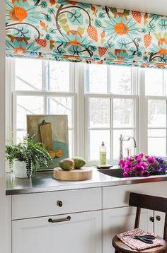 House of Turquoise: Katie Rosenfeld Design Osbourne and Little Maharani fabric Kitchen Redo, New Kitchen, Kitchen Remodel, Kitchen Tables, Kitchen Ideas, Kitchen Cabinets, House Of Turquoise, Turquoise Kitchen, Modern Window Shades
